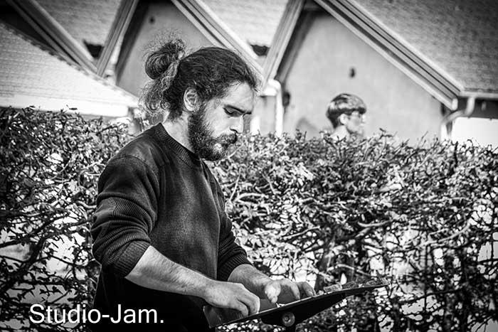 studio_JAM_094